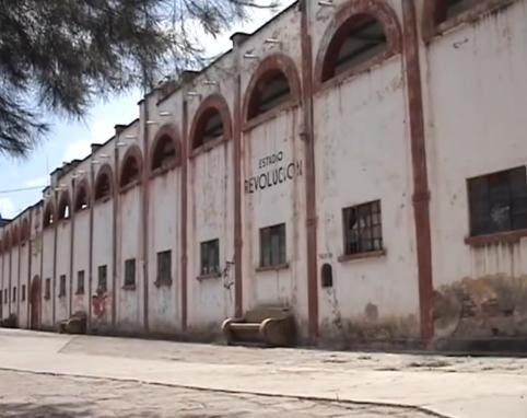 Inaugurado el 12 de febrero de 1942 con una capacidad de 6.000 personas
